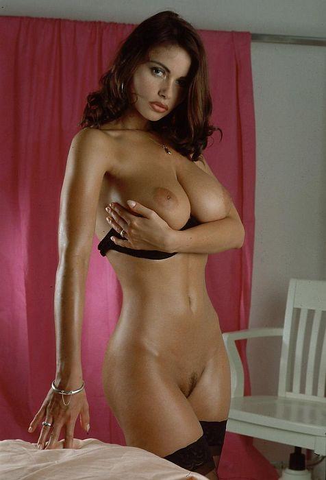 Голые актрисы грудь фото 50474 фотография